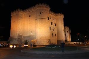 Tarascon - Schloss bei Nacht